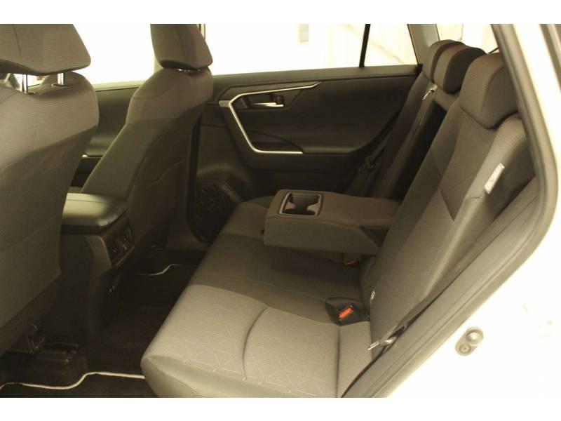 Toyota RAV 4 HYBRIDE 218 ch 2WD Dynamic Blanc occasion à Cahors - photo n°12
