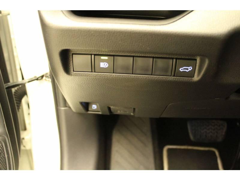 Toyota RAV 4 HYBRIDE 218 ch 2WD Dynamic Blanc occasion à Cahors - photo n°9