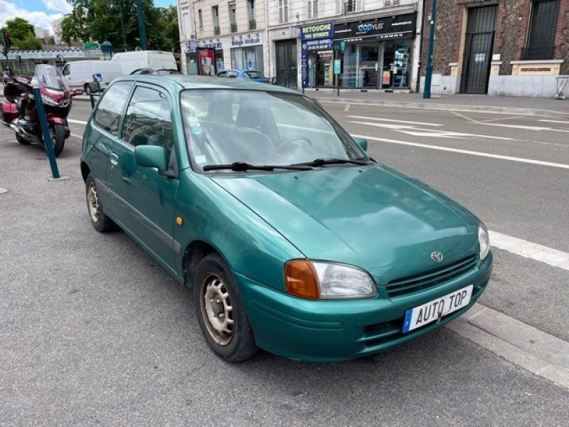 Toyota Starlet 1.3 75CH GL 3P Vert occasion à Pantin - photo n°2