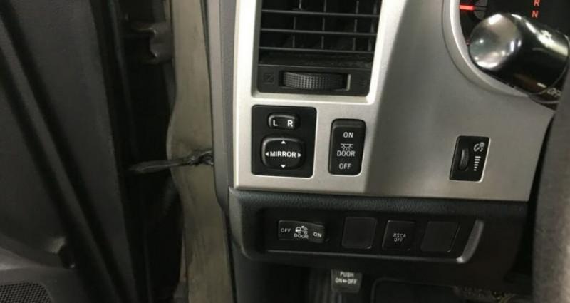 Toyota Tundra Sr5 double cab 5.7l 4wd 2008 prix tout compris hors homologa Gris occasion à PONTAULT COMBAULT - photo n°6