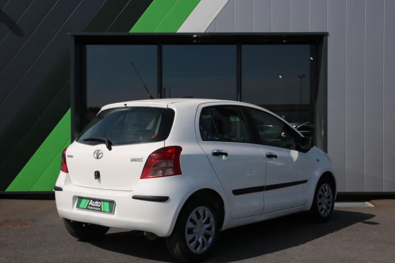 Toyota Yaris 1.3 - 87 VVT-i Blanc occasion à Jaux - photo n°3