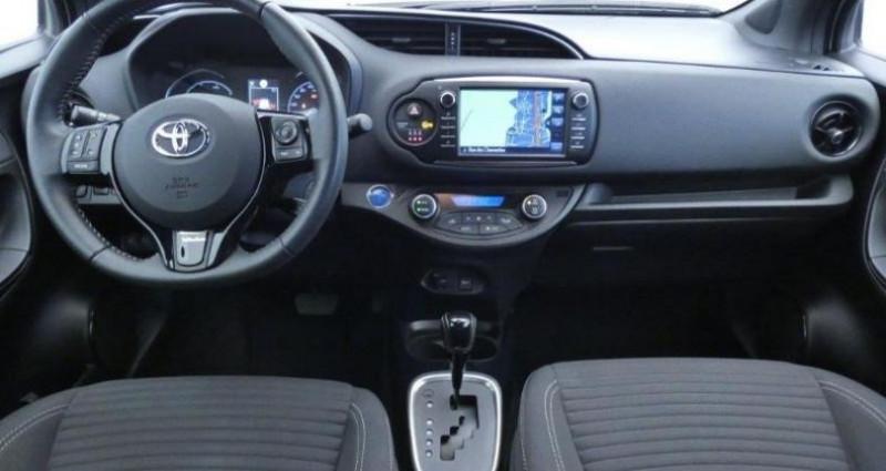 Toyota Yaris 100h Collection 5p Gris occasion à Mouilleron Le Captif - photo n°4