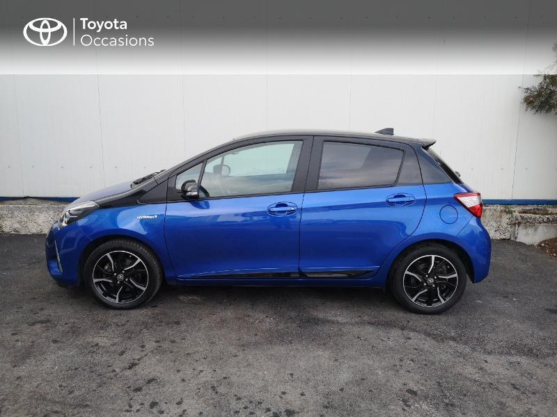 Toyota Yaris 100h Collection 5p Bleu occasion à Saint-Jouan-des-Guérets - photo n°3