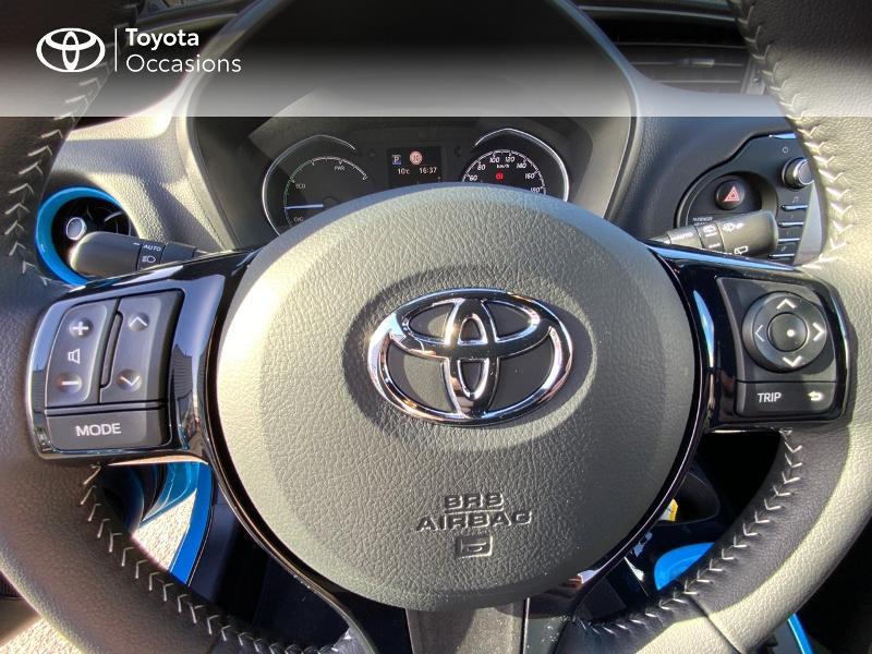 Toyota Yaris 100h Cyan Edition 5p RC18 Bleu occasion à Pluneret - photo n°20