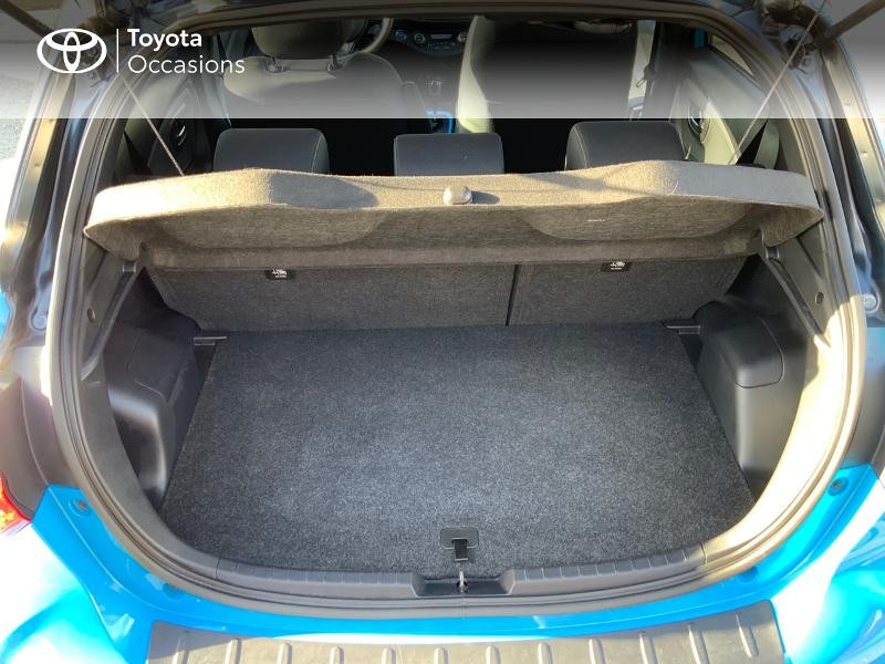 Toyota Yaris 100h Cyan Edition 5p RC18 Bleu occasion à Pluneret - photo n°10