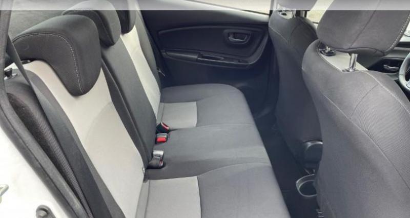 Toyota Yaris 100h Dynamic 5p RC18 Blanc occasion à Hoenheim - photo n°7