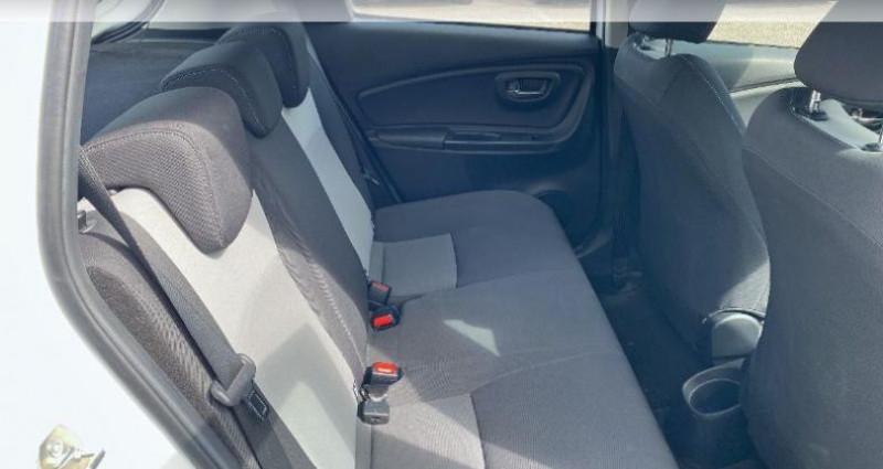 Toyota Yaris 100h Dynamic 5p RC18 Blanc occasion à Laxou - photo n°7