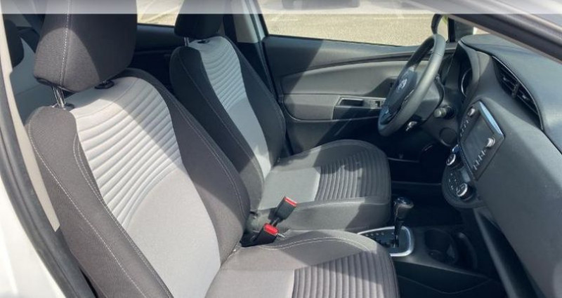 Toyota Yaris 100h Dynamic 5p RC18 Blanc occasion à Laxou - photo n°6