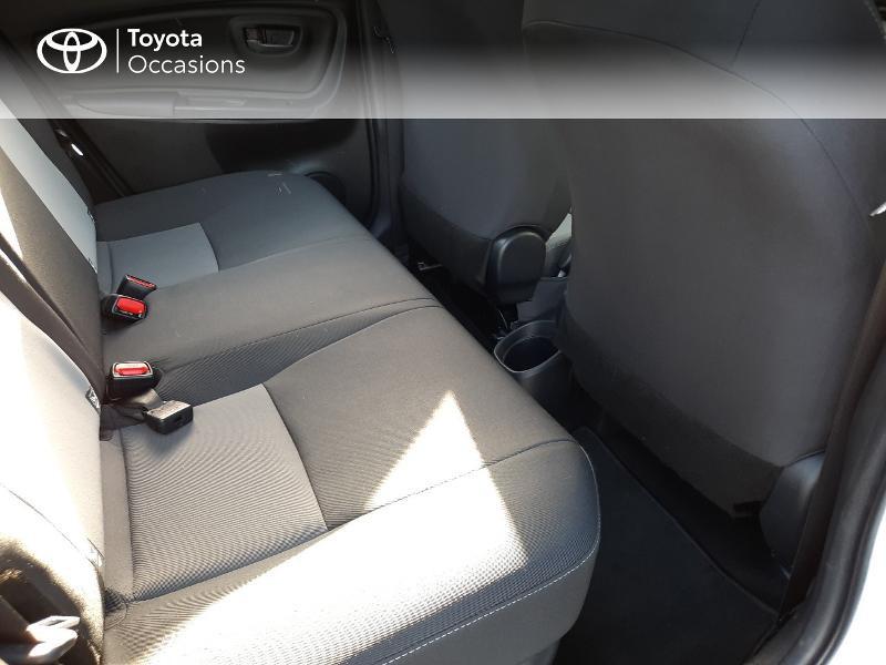 Toyota Yaris 100h Dynamic 5p RC18 Blanc occasion à Saint-Jouan-des-Guérets - photo n°7