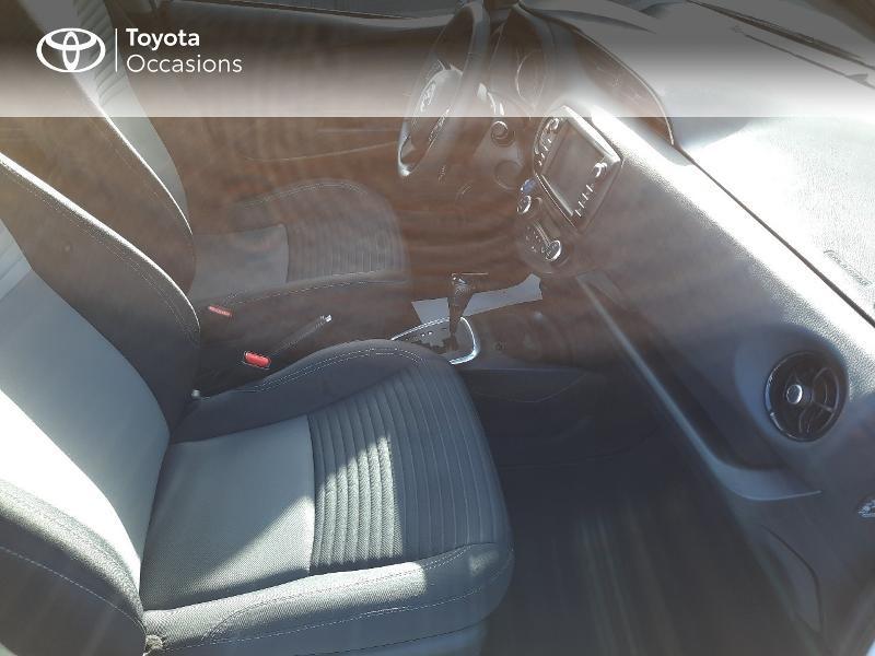 Toyota Yaris 100h Dynamic 5p RC18 Blanc occasion à Saint-Jouan-des-Guérets - photo n°6