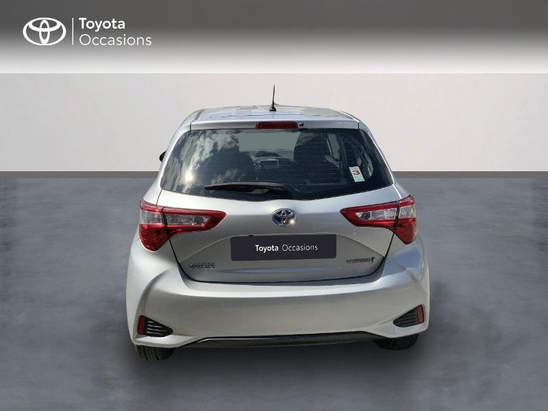 Toyota Yaris 100h Dynamic 5p RC18  occasion à Pluneret - photo n°4