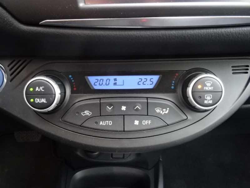 Toyota Yaris 100H DYNAMIC 5P Gris occasion à Mérignac - photo n°16