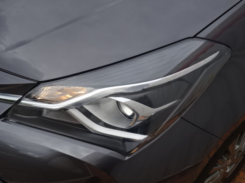 Toyota Yaris 100H DYNAMIC 5P Gris occasion à Mérignac - photo n°8