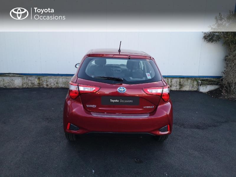 Toyota Yaris 100h Dynamic 5p Rouge occasion à Saint-Jouan-des-Guérets - photo n°4