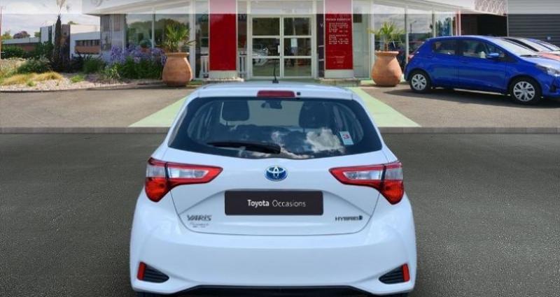 Toyota Yaris 100h France 5p Blanc occasion à Saintes - photo n°4