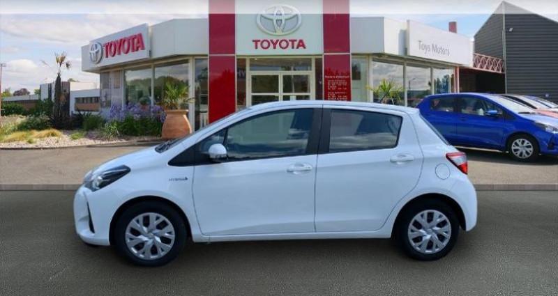 Toyota Yaris 100h France 5p Blanc occasion à Saintes - photo n°3
