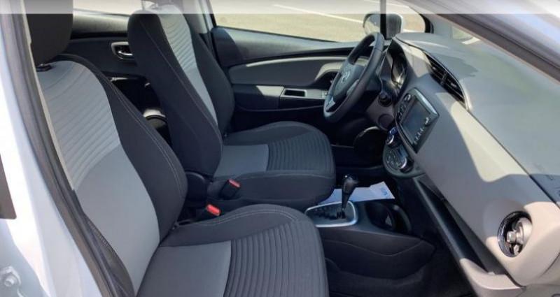 Toyota Yaris 100h France 5p Blanc occasion à Saintes - photo n°6