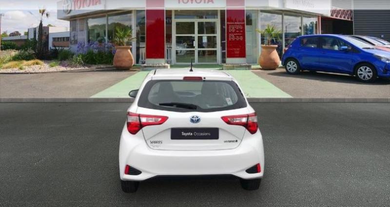 Toyota Yaris 100h France 5p Blanc occasion à Cognac Cedex - photo n°4
