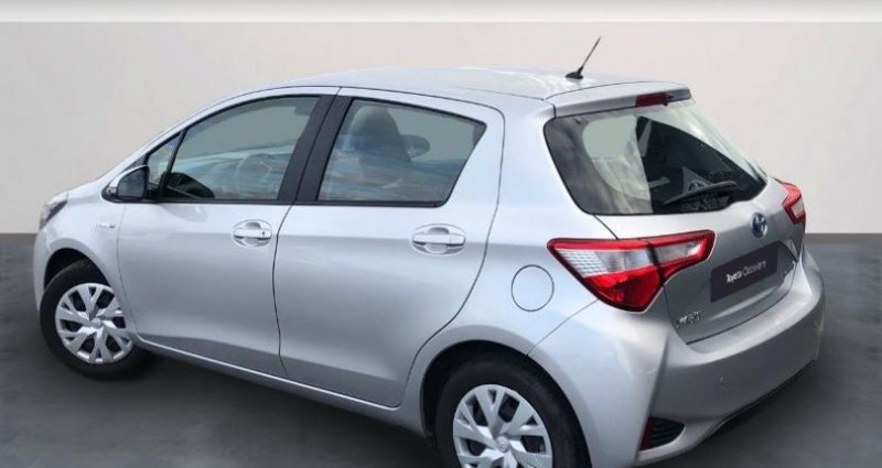 Toyota Yaris 100h France Business 5p Gris occasion à Colmar - photo n°2