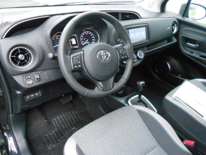 Toyota Yaris 110 VVT-i 20ème Anniversaire Noir occasion à Rodez - photo n°5