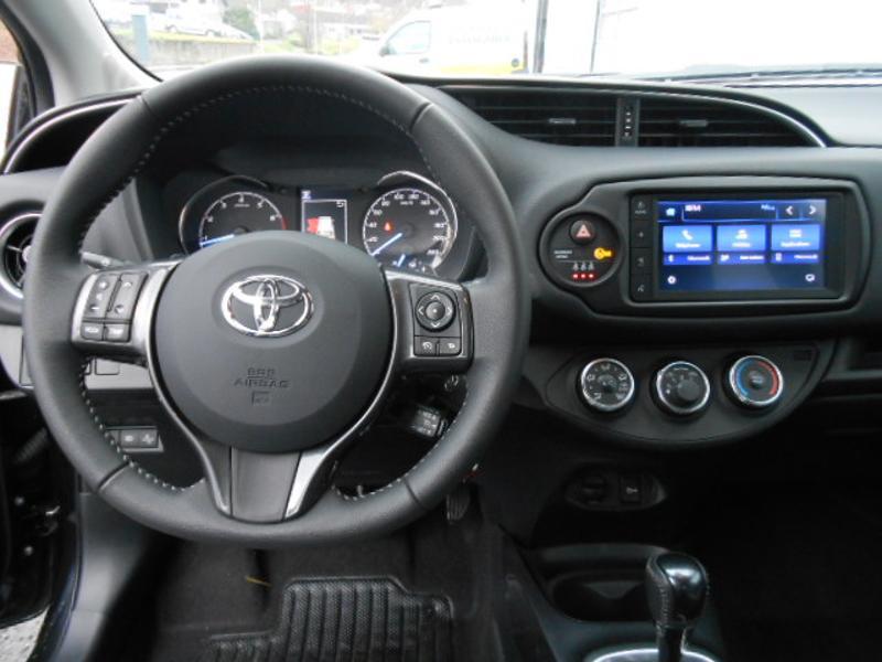 Toyota Yaris 110 VVT-i 20ème Anniversaire Noir occasion à Rodez - photo n°7