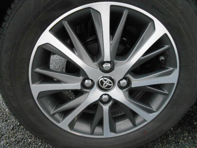 Toyota Yaris 110 VVT-i 20ème Anniversaire Noir occasion à Rodez - photo n°12