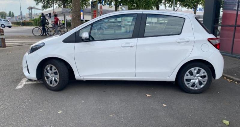 Toyota Yaris 110 VVT-I CHIC 5P Blanc occasion à REZE - photo n°2
