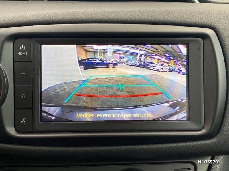 Toyota Yaris 110 VVT-i Design Y20 5p MY19 Noir occasion à Abbeville - photo n°13