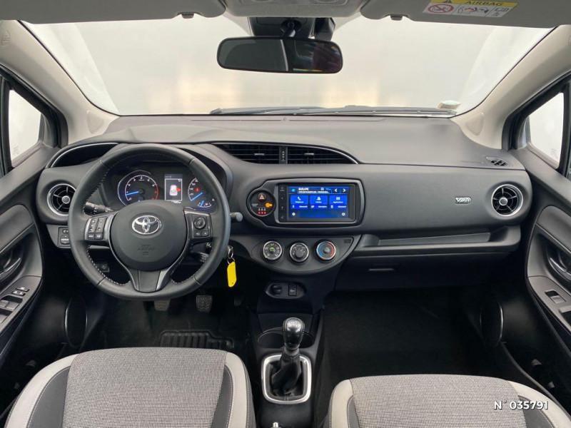 Toyota Yaris 110 VVT-i Design Y20 5p MY19 Noir occasion à Abbeville - photo n°10