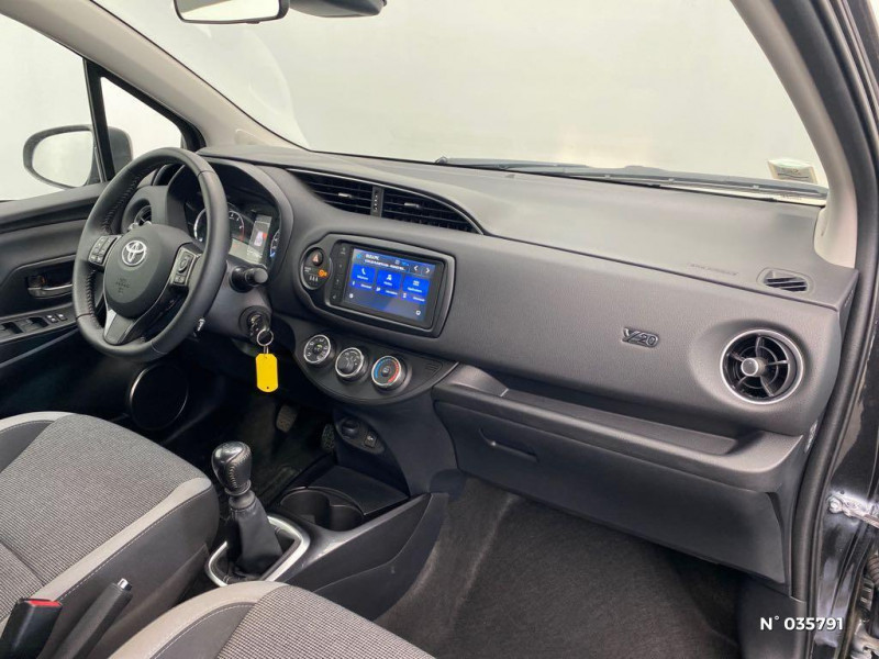 Toyota Yaris 110 VVT-i Design Y20 5p MY19 Noir occasion à Abbeville - photo n°4