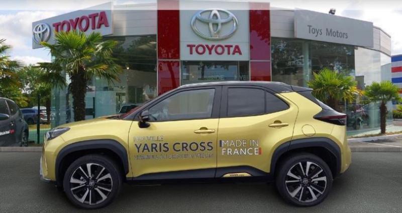 Toyota Yaris 116h Première AWD-i Noir occasion à Longuenesse - photo n°3