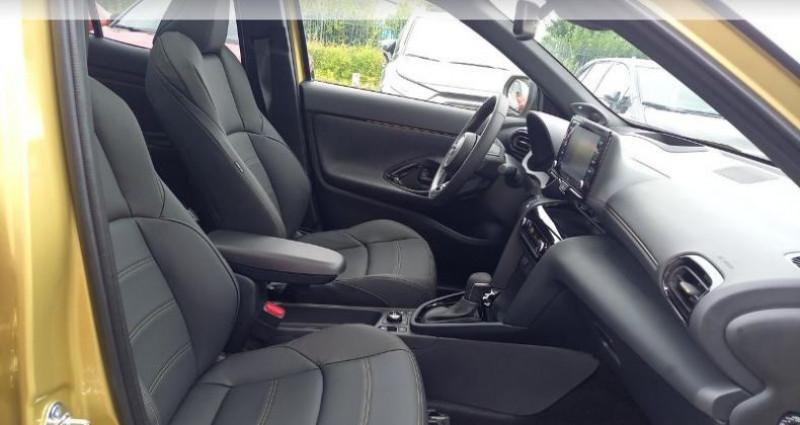 Toyota Yaris 116h Première AWD-i Noir occasion à Longuenesse - photo n°6
