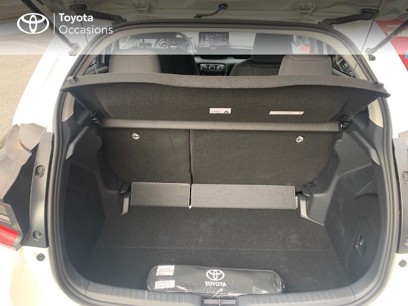 Toyota Yaris 70 VVT-i Design 5p Blanc occasion à CASTRES - photo n°10