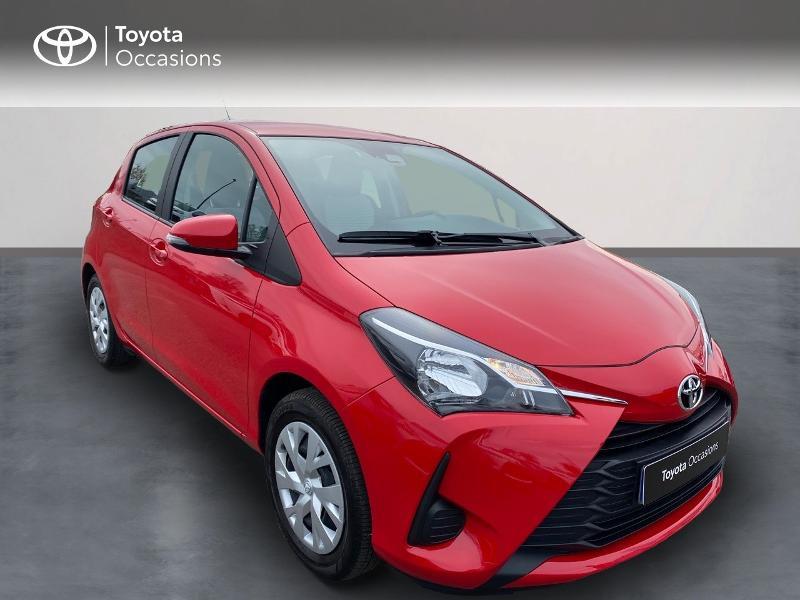 Toyota Yaris 70 VVT-i France Connect 5p RC19 Rouge occasion à NOYAL PONTIVY - photo n°3