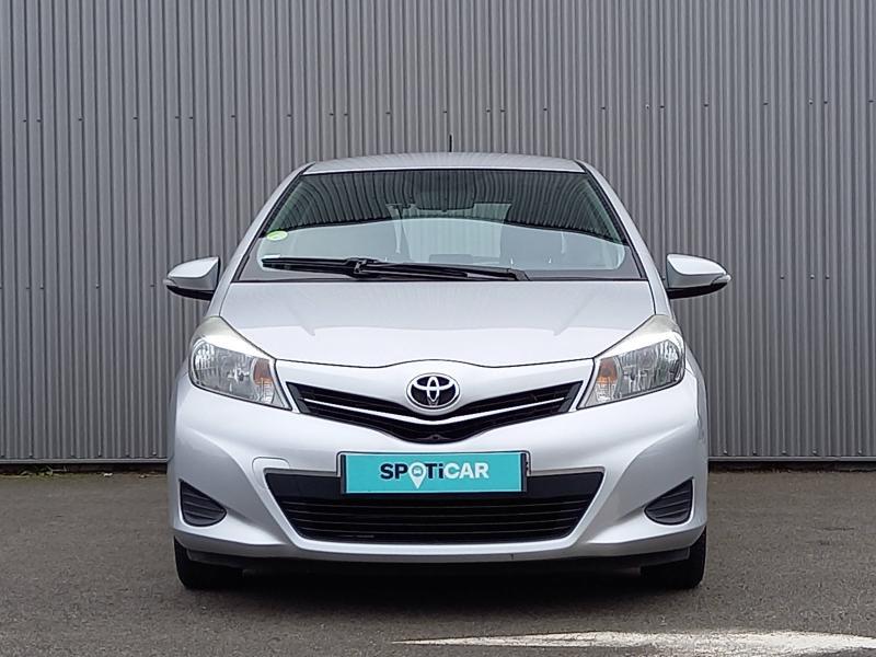 Toyota Yaris 90 D-4D Active 3p Gris occasion à Flers - photo n°2