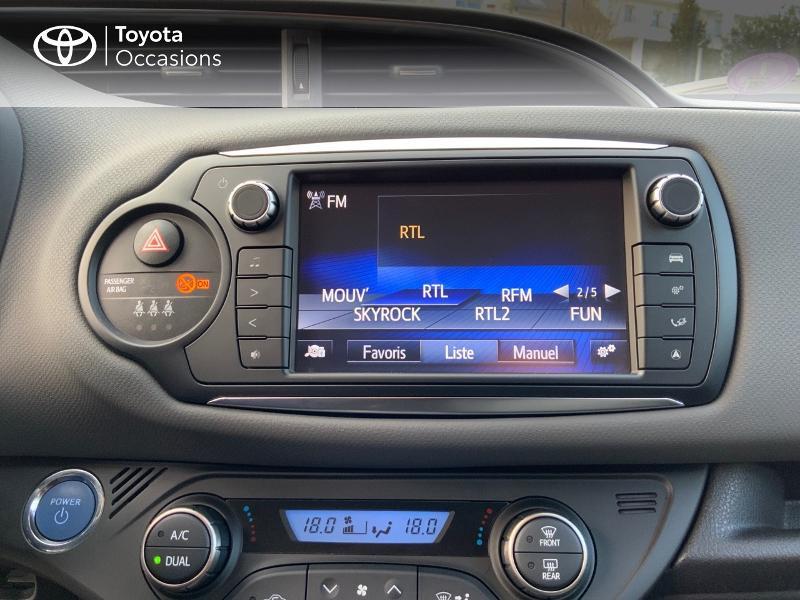 Toyota Yaris HSD 100h Dynamic 5p Gris occasion à Pluneret - photo n°7