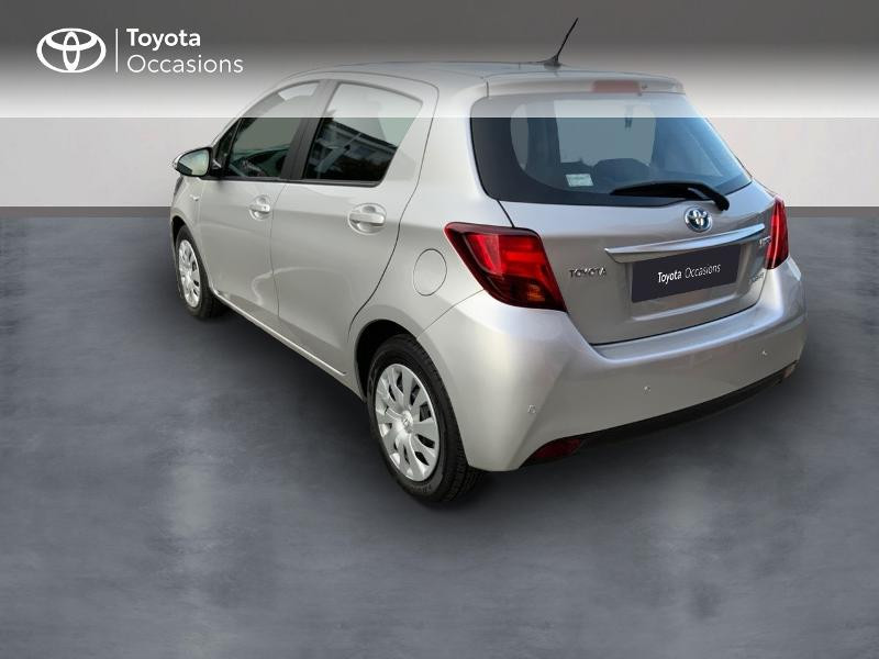 Toyota Yaris HSD 100h Dynamic 5p Gris occasion à Pluneret - photo n°2