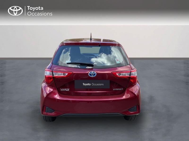 Toyota Yaris HSD 100h Dynamic 5p Rouge occasion à Pluneret - photo n°4