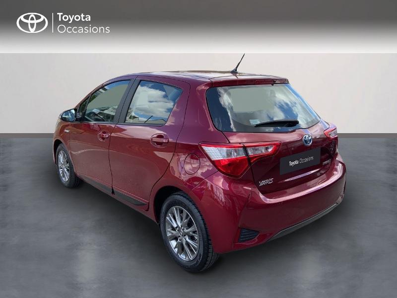 Toyota Yaris HSD 100h Dynamic 5p Rouge occasion à Pluneret - photo n°2