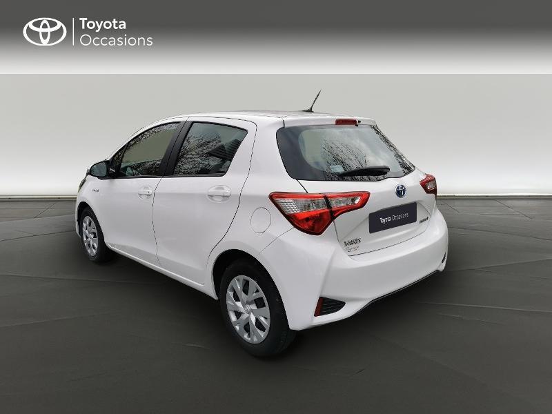 Toyota Yaris HSD 100h France 5p Blanc occasion à Magny-les-Hameaux - photo n°2