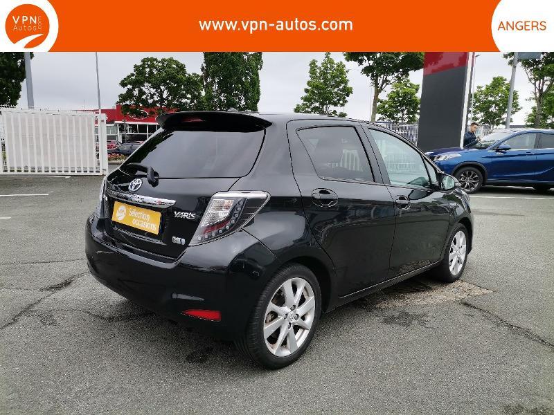 Toyota Yaris HSD 100h Graphic 5p Noir occasion à Angers - photo n°2
