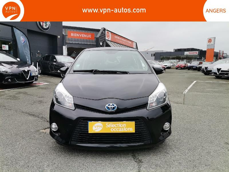 Toyota Yaris HSD 100h Graphic 5p Noir occasion à Angers - photo n°7