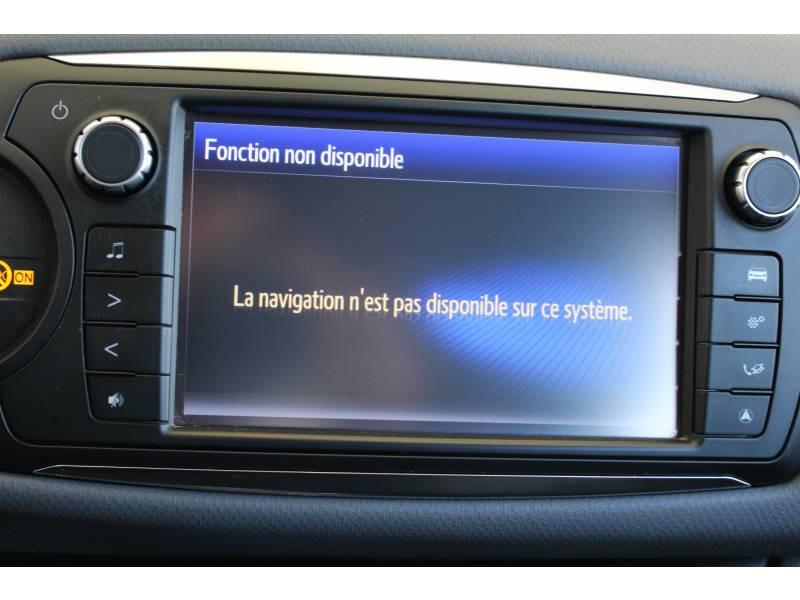Toyota Yaris HYBRIDE LCA 2016 100h Dynamic Blanc occasion à Montauban - photo n°14