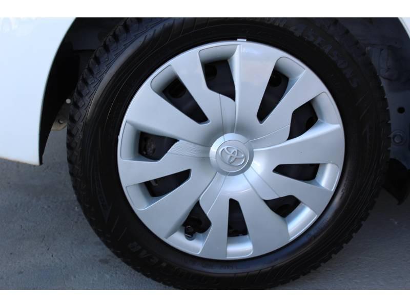 Toyota Yaris HYBRIDE LCA 2016 100h Dynamic Blanc occasion à Montauban - photo n°3