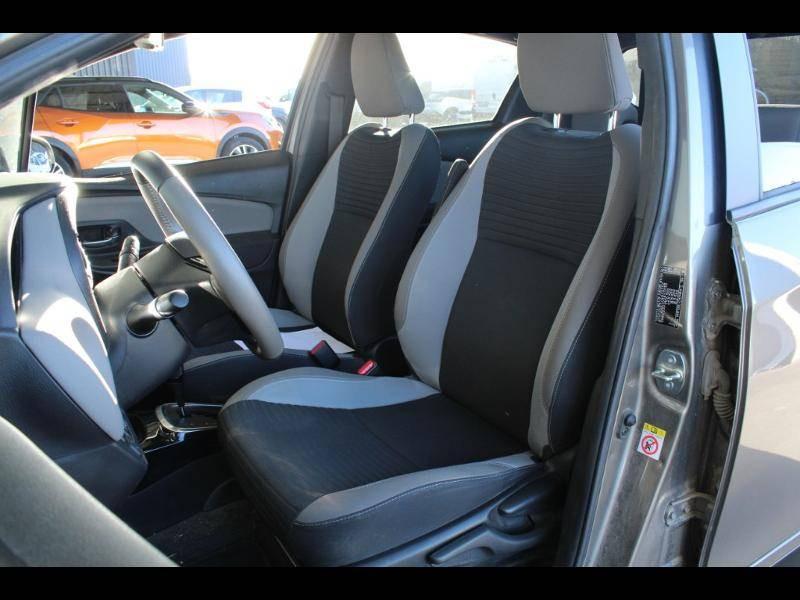 Toyota Yaris HYBRIDE MC2 100h Dynamic Gris occasion à Saint Pierre du Mont - photo n°7