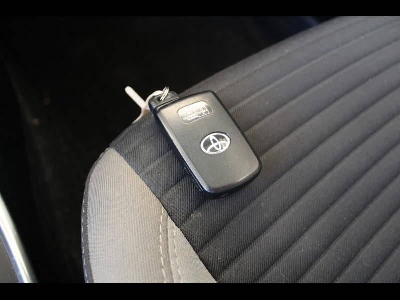 Toyota Yaris HYBRIDE MC2 100h Dynamic Gris occasion à Saint Pierre du Mont - photo n°14