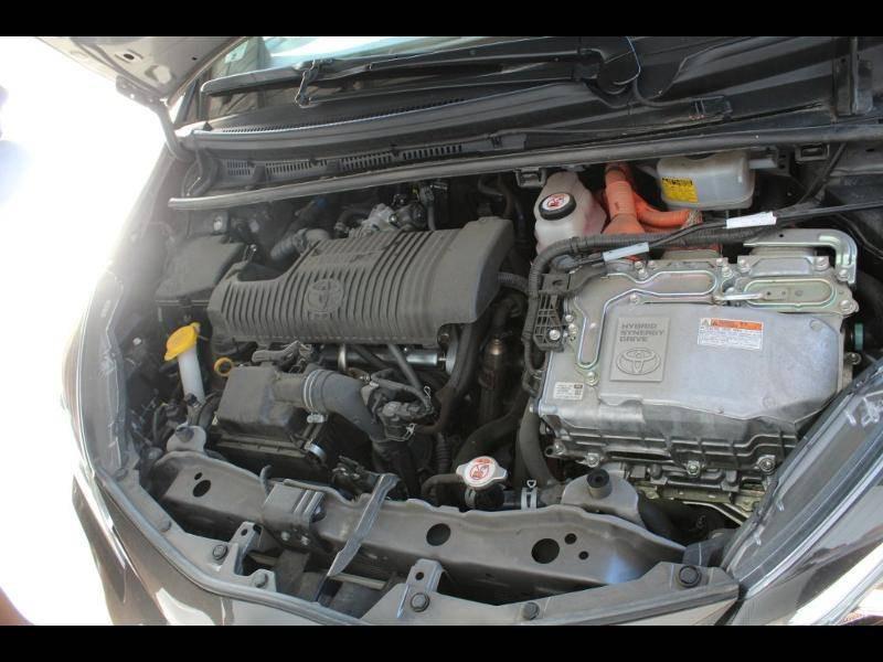 Toyota Yaris HYBRIDE MC2 100h Dynamic Gris occasion à Saint Pierre du Mont - photo n°15