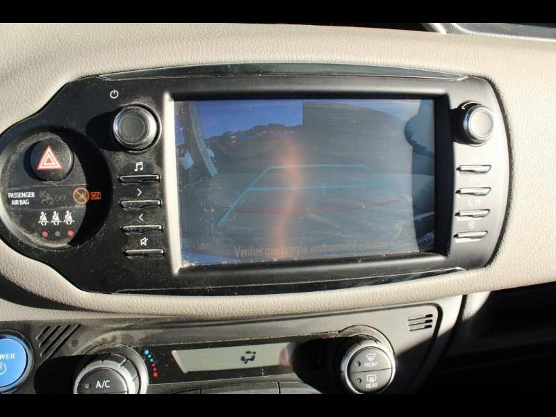 Toyota Yaris HYBRIDE MC2 100h Dynamic Gris occasion à Saint Pierre du Mont - photo n°10