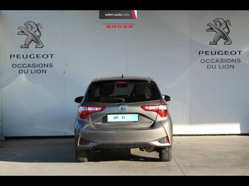 Toyota Yaris HYBRIDE MC2 100h Dynamic Gris occasion à Saint Pierre du Mont - photo n°4