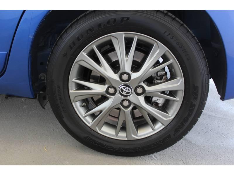 Toyota Yaris HYBRIDE MC2 100h Dynamic Bleu occasion à Montauban - photo n°4